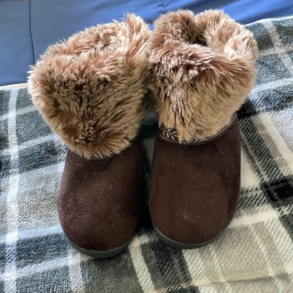 Isotoner Faux Fur Slippers
